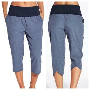 CALIA by Carrie Underwood Anywhere Foldover Capri